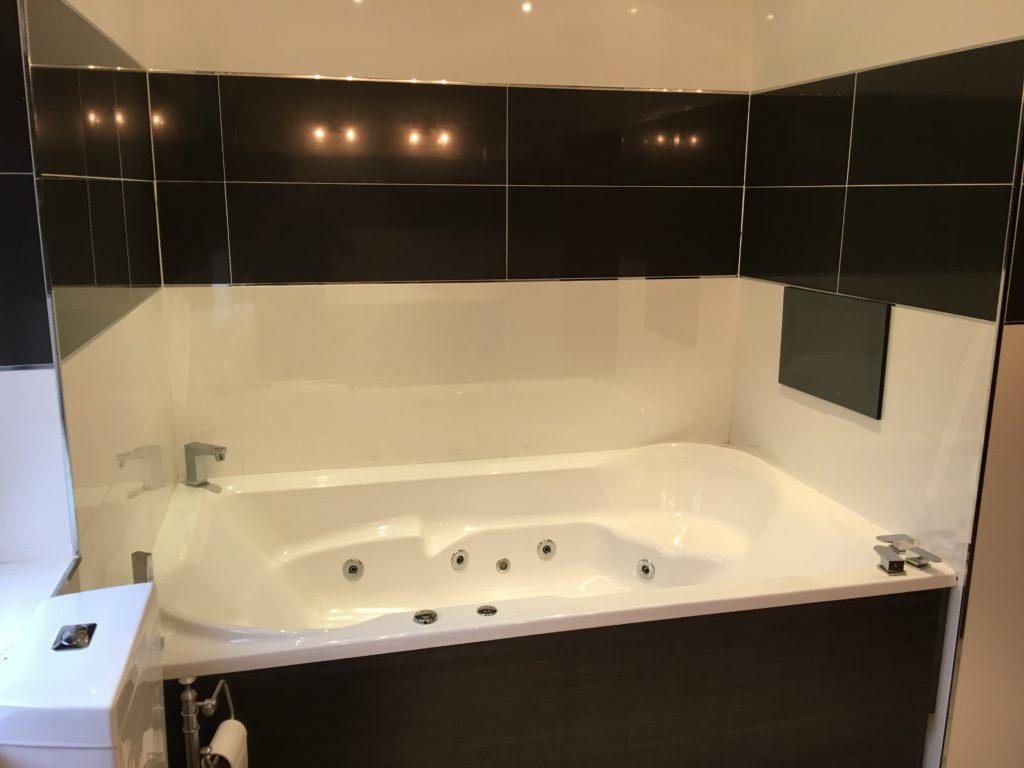 Bathroom design and installation glasgow bathroom suite for Bathroom design installation
